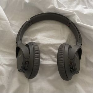 Sony Wireless Sound Cancelling Headphones for Sale in Fort Worth, TX