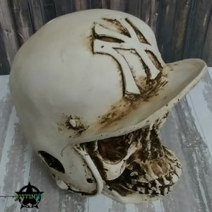 NY Yankees Skull Sculpture for Sale in Corona, CA
