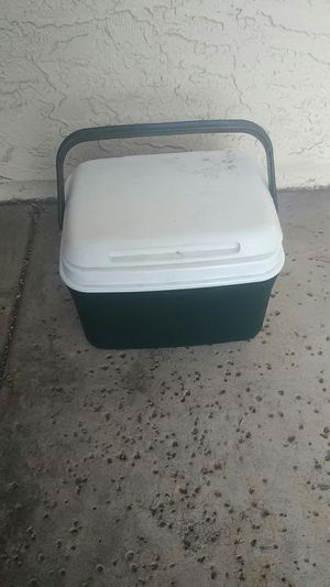 $4; Small cooler for Sale in Mesa, AZ