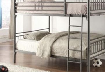 Full Over Full Metal Bunkbed for Sale in Puyallup,  WA