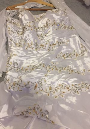 Wedding dress size 2xl white with gold stones on it for Sale in Chicago, IL
