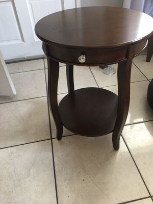 Living room end table for Sale in Hialeah, FL