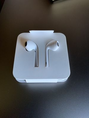 Apple Earbuds with lightning connector for Sale in Sewell, NJ