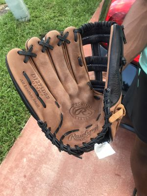 Rawling Premium Series Brown Baseball Glove for Sale in Margate, FL