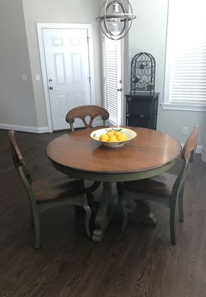 Pier 1 import table and chairs. 3 chairs, 4th broke. In great condition. Has leaf to make bigger. for Sale in Dublin, GA