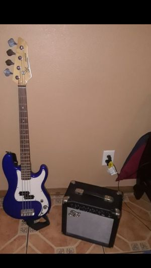 Bass guitar with a amp for Sale in Los Angeles, CA