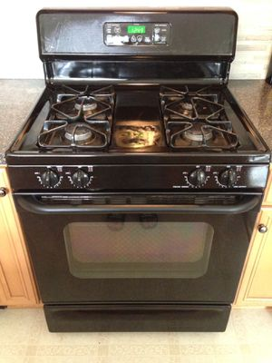 GE Gas Oven - Good Condition. for Sale in Aldie, VA
