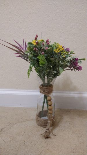 Spring glass flower decorative vase for Sale in Miami, FL