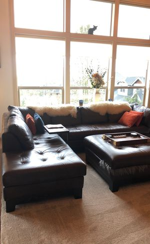 Sectional with ottoman for Sale in Camas, WA