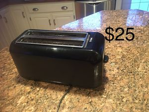 Toaster, trash baskets, pillows, washing baskets, scale, table, hand vacuum for Sale in Pittsburgh, PA