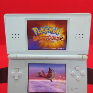 DS Lite With 1000+ Games for Sale in Sunnyvale, CA