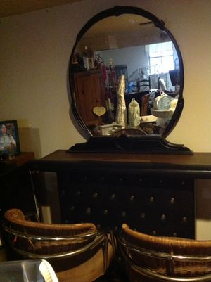 Antique dresser that was converted into a bar. Two bar stools, dresser/bar and mirror for Sale in Taylors, SC