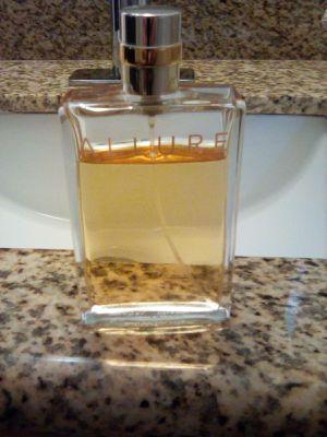 Chanel Allure Perfume for Sale in Vista, CA