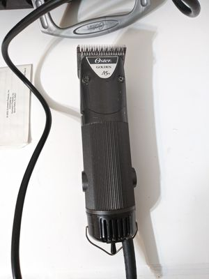 Oster A5 two speed Animal Clippers for Sale in Savannah, GA