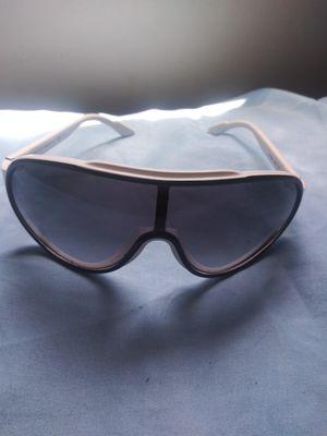 Gucci sunglasses for Sale in Silver Spring, MD