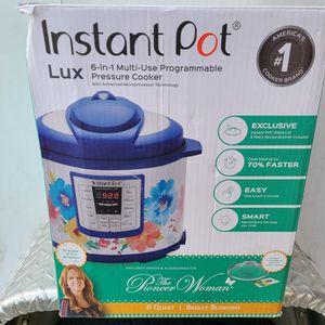 semi new instant pot 6 quart for Sale in Bloomington, CA