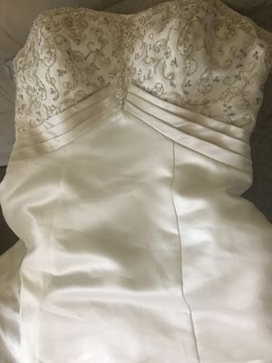 Wedding Dress feel free to ask any questions for Sale in Winfield, IL