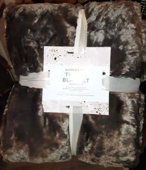 Faux Fur Throw Blanket for Sale in Las Vegas, NV