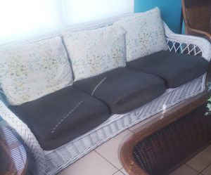 Sofa for Sale in Avon Park, FL