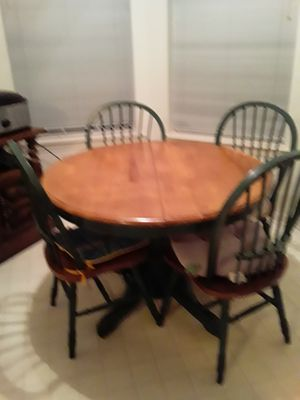 Kitchen table with leaf for Sale in Cantonment, FL