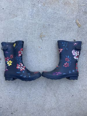 Floral Print Navy Blue Rain Boots (size 6) for Sale in Los Angeles, CA