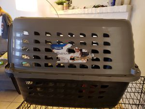 Dog crate for Sale in Apple Valley, CA