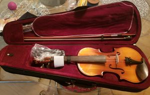 Mendini Violin with case for Sale in West McLean, VA