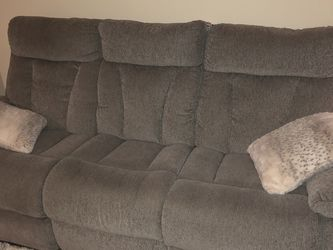 recliner couch for Sale in Murfreesboro,  TN