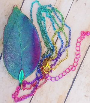 RNBW Leaf Pendant Necklace for Sale in Sioux Falls, SD