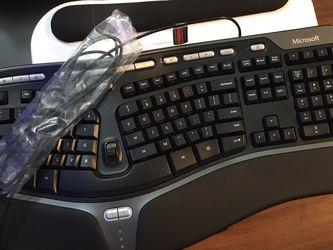 Microsoft Natural Ergonomic 4000 Keyboard for Sale in Seattle,  WA