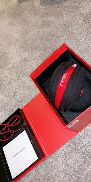 Beats headphones solos hd wireless for Sale in Voorhees Township, NJ