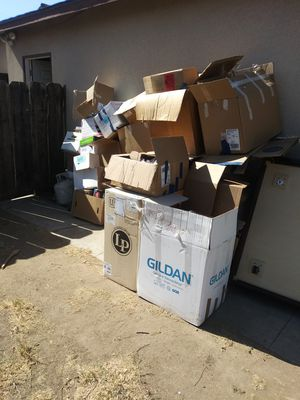 FREE MOVING BOXES for Sale in Fresno, CA