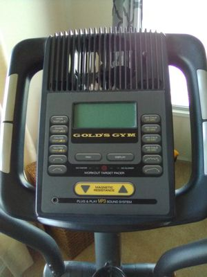 ***Sold****FREE Gold's Gym Elliptical (Works Well) for Sale in San Antonio, TX