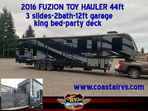 2016 FUZION CHROME Toy Hauler 44ft-12 ft garage-3slides for Sale in Montesano, WA