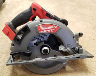 Milwaukee M18 Fuel Circular Saw for Sale in Newark,  CA