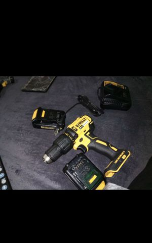 Never been used dewalt Hammer drill!! Comes with 2 batteries and a charger! I'm only asking for 150, I'll even throw in some a pack of dewalt bits for Sale in North Las Vegas, NV