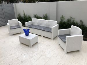 Patio furniture for Sale in Hialeah, FL