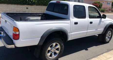 TOYOTA TACOMA 2003 WHITE COLOR for Sale in Yonkers,  NY