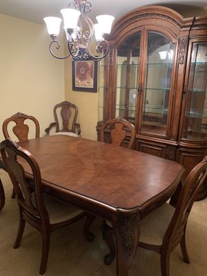 Dining table for Sale in Marlboro Township, NJ