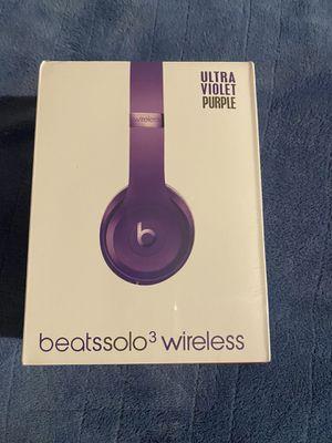 Beats Solo3 Purple Wireless Bluetooth Headphones for Sale in Daytona Beach, FL