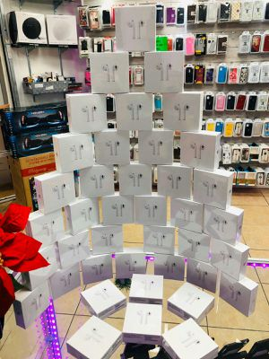 Airpods 2 generation wireless charging high copy quality for Sale in Kissimmee, FL