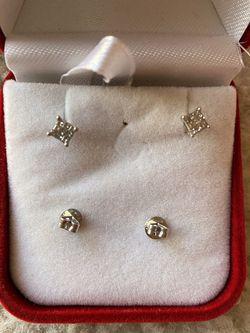 Real diamonds 14 K white gold stud earrings for Sale in Woodbridge,  VA