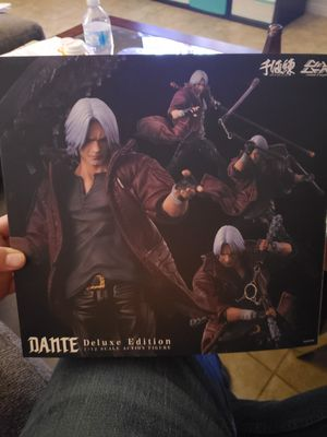 Dante 1/12 deluxe edition action figure for Sale in Las Vegas, NV