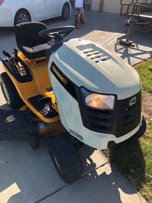 Riding lawn Mower (cash only) for Sale in Tracy, CA