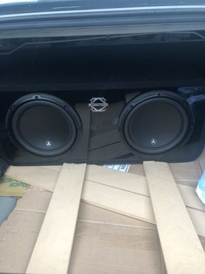 "JL Audio 10"" subs, amp, and box for Sale in Tacoma, WA"