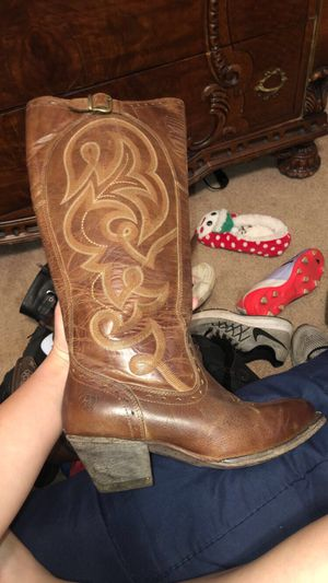 Women's Ariat boots for Sale in Mansfield, TX