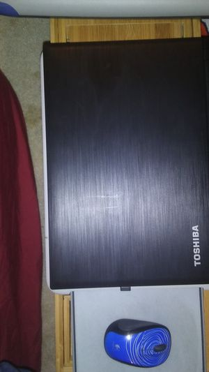 Week old toshiba laptop works absolutely amazingly w/ box and scanner for Sale in San Antonio, TX