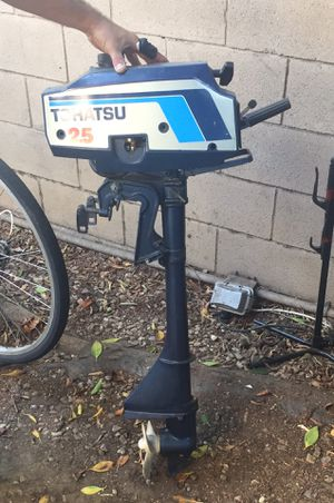 $150 dollar 2.5 HP TOHATSU OUTBOARD MOTOR for Sale in Huntington Beach, CA