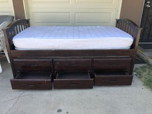 Twin trundle bed with drawers for Sale in Chula Vista, CA