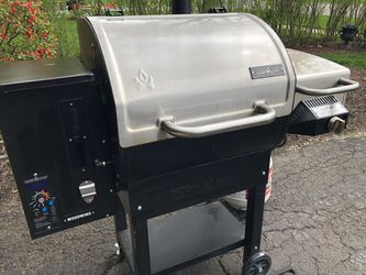 Camp Chef Woodwind 24  Wood Pellet Grill for Sale in Naperville, IL